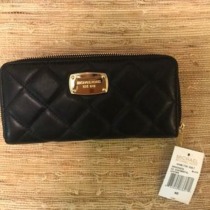 NWT Michael Kors Hamilton Quilted Wallet